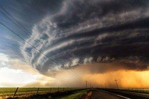 z-wallpaper-powerful-storm-weather[1]